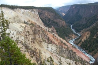 Yellowstone Canyon from Inspiration Point